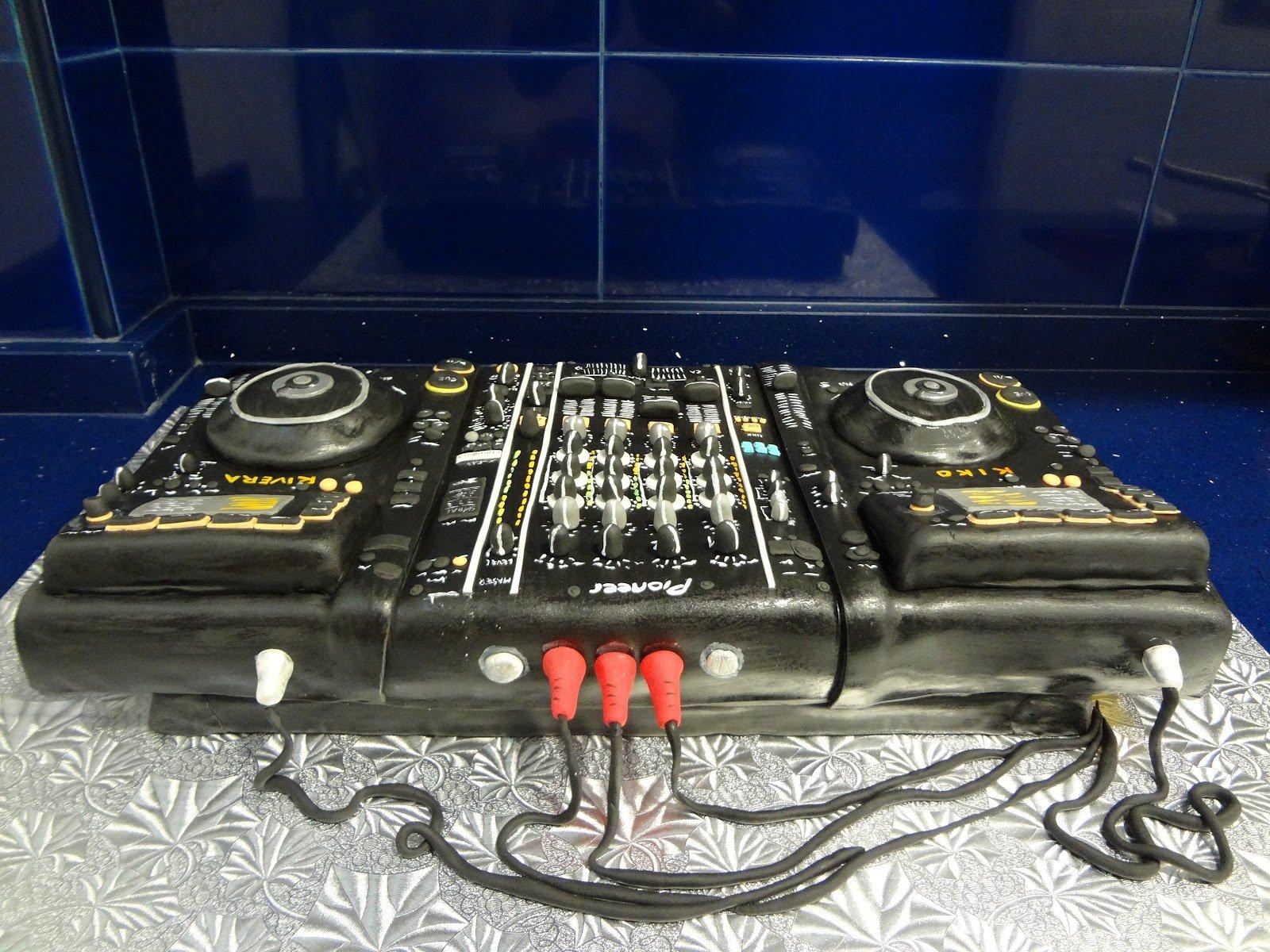 Mesa mezclas dj 027 for Mesa de mezclas dj