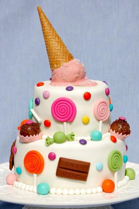 pastel torta de dulce con nieve