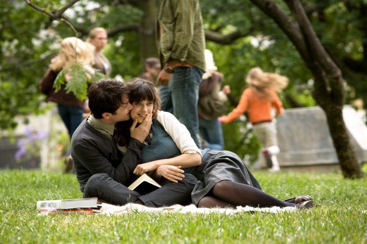 Tom y summer escena de la película 500 días con ella