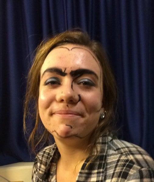 mujer pintada de la cara