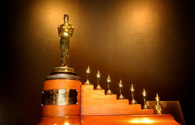 compilación de 8 oscares honoríficos que ganó blancanieves