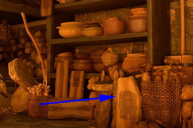 tienda de alfarería donde se ven distintas cazuelas de barro