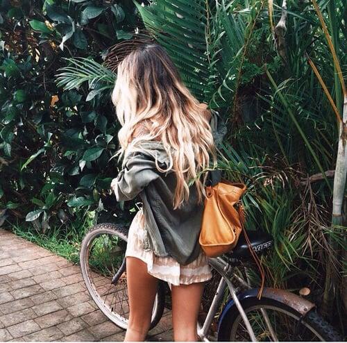 Chica dar un paseo