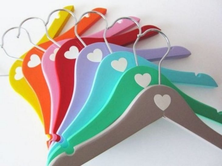 Perchas para ropa de colores