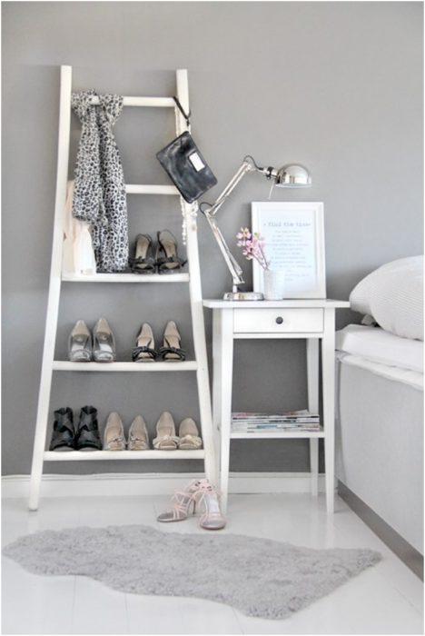 Escalera para organizar tus zapatos y accesorios