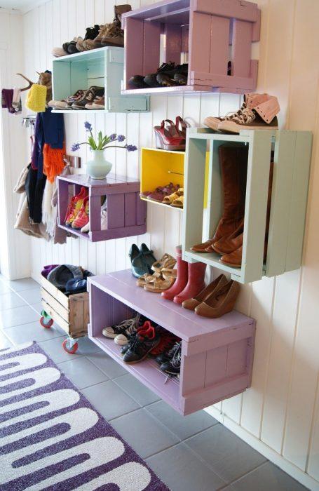 Rejas decoradas para guardar zapatos
