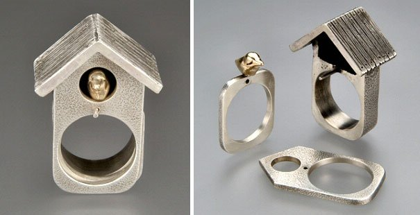 imagen de un anillo en forma de casa para pájaros