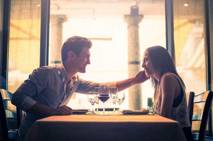 comida romántica en casa