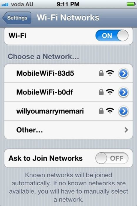distintas claves de wifi en celular con candados