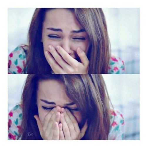 mujer llorando desconsoladamente
