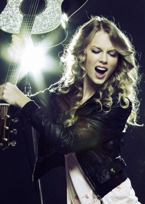taylor swift curly hair rockin
