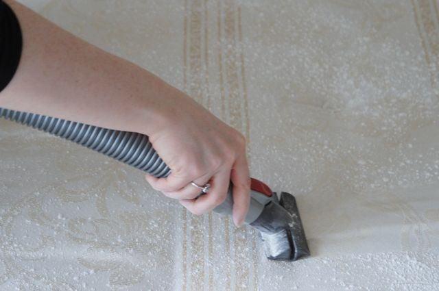 limpiar colchon bicabonato y aspiradora