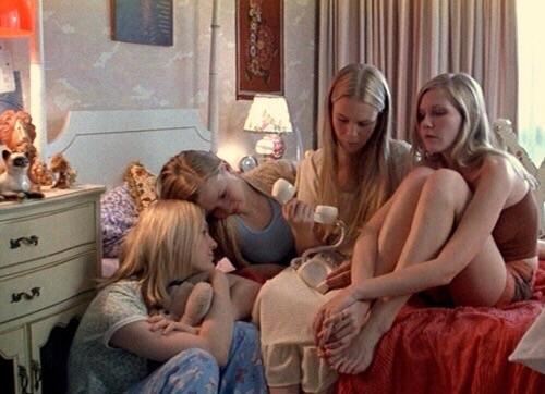 hermanas en pijamada