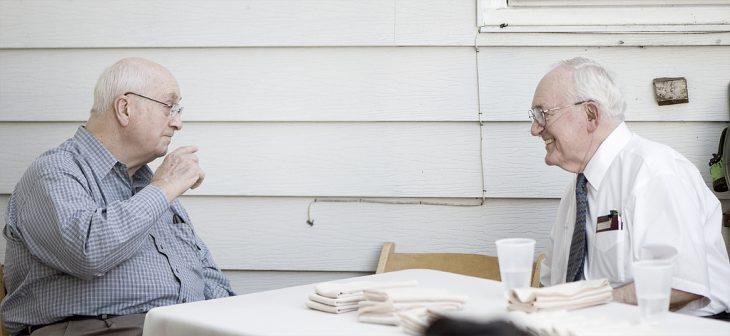 abuelos negociando
