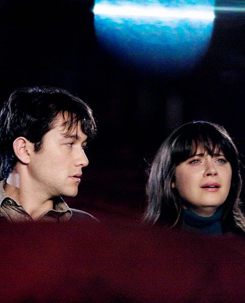 Tom y Summer en escena de 500 días con ella en el cine