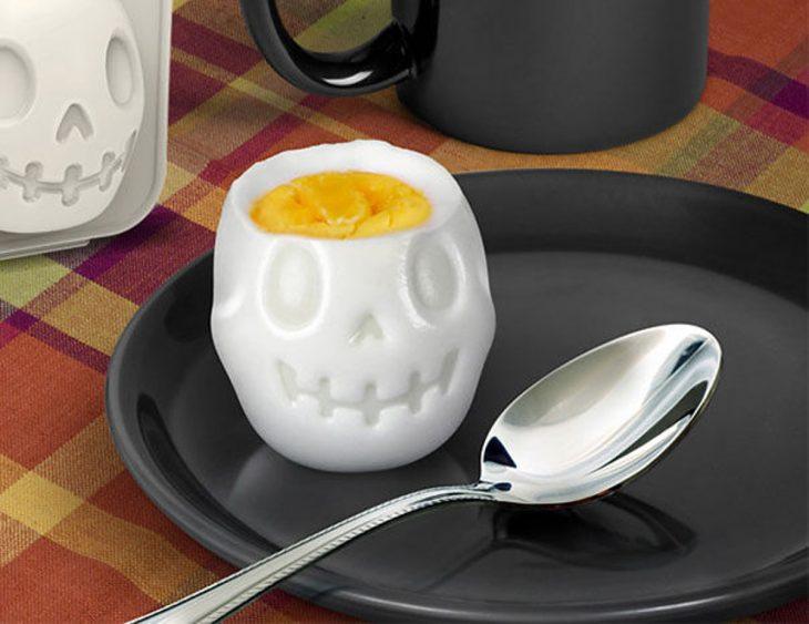 Molde para huevos en forma de calavera