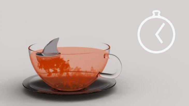 Infusor de té en forma de tiburón