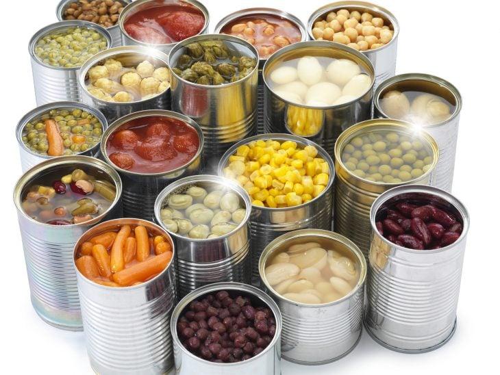 distintos alimentos envasados