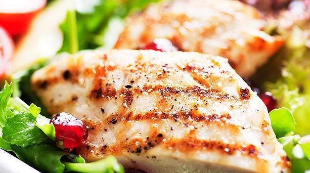 pollo a la plancha con verduras verdes