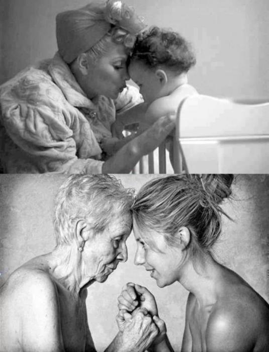 Foto en blanco y negro de madre e hija antes y después