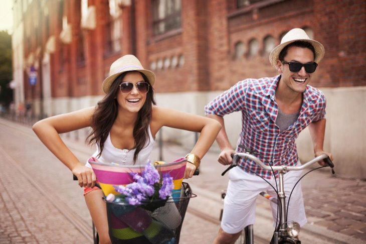 Mejores amigos en bicicleta