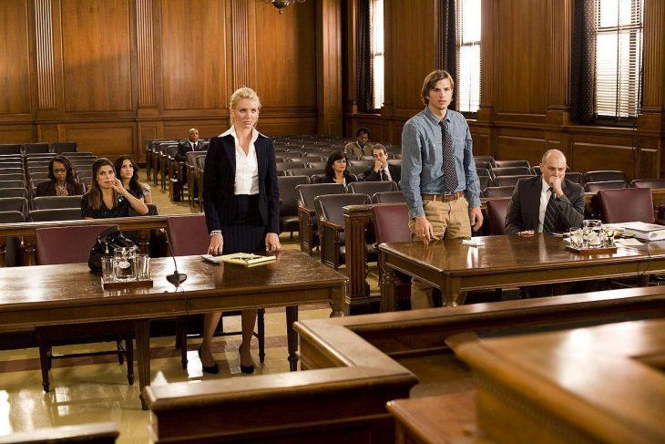 escena donde los protagonistas se divorcian de la película algo pasa en las vegas
