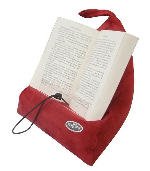 soporte para libros que sirve como almohada de viaje en color rojo