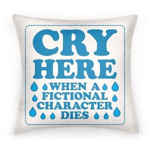 almohada con letras color azul
