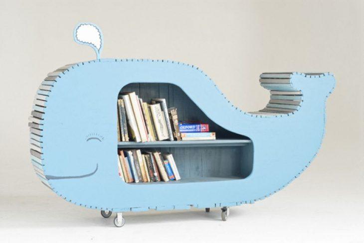 librero en forma de ballena