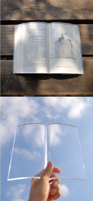 cubierta transparente para  proteger el libro
