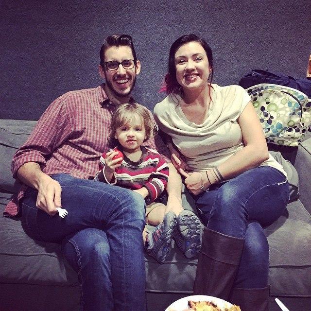 Stevens Nelms con su hijo y esposa
