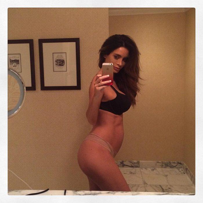 modelo embarazada con cuadritos (11)