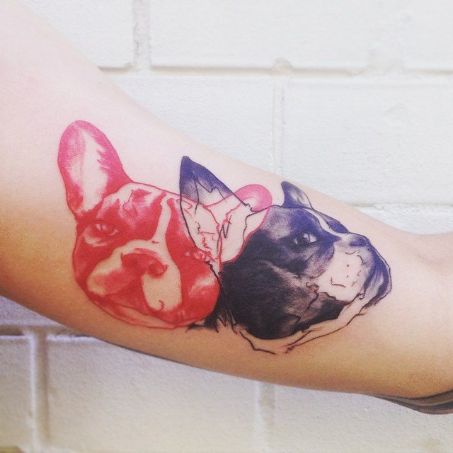 Perros bull dog francés tatuado con la técnica de acuarela