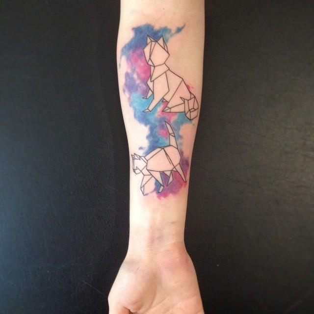Gatos abstractos tatuados con la técnica de acuarela