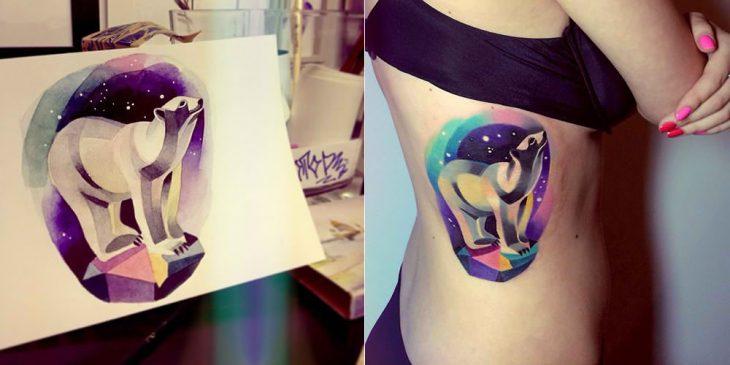 Oso polar tatuado con la técnica de acuarela