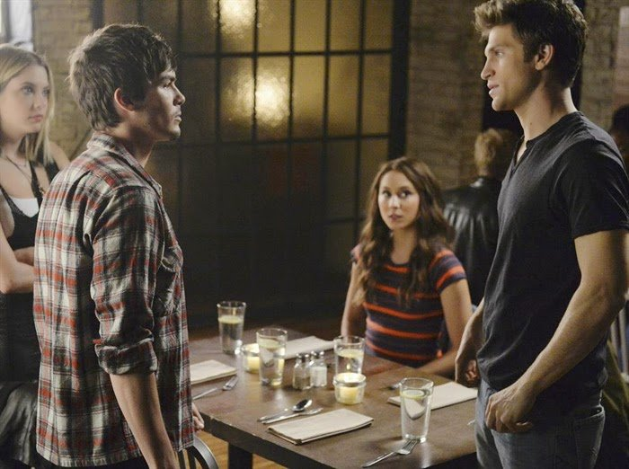 Escenas de pretty little liars parejas dobles