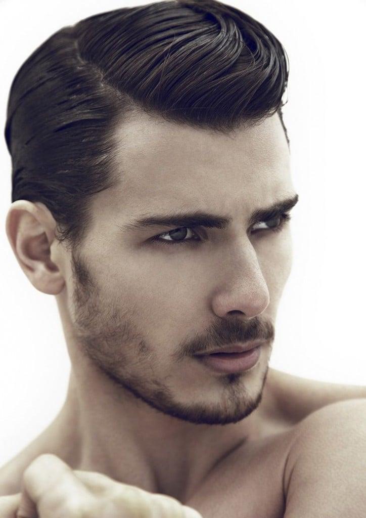 chico con corte y peinado moderno
