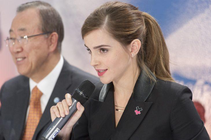 Emma Watson diciendo un discurso