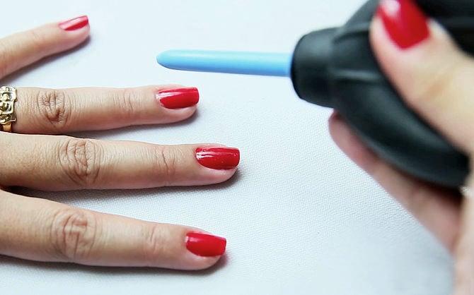 Soplador de polvo para secar las uñas