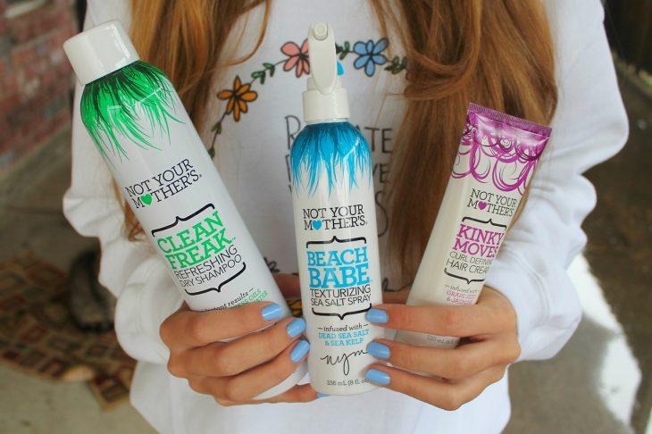 Botellas de productos de aerosol