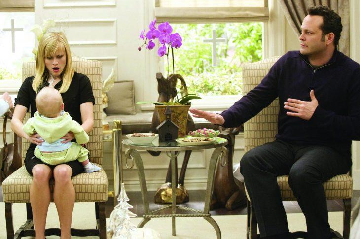 Escena de la película Ni en tu casa ni en la mía