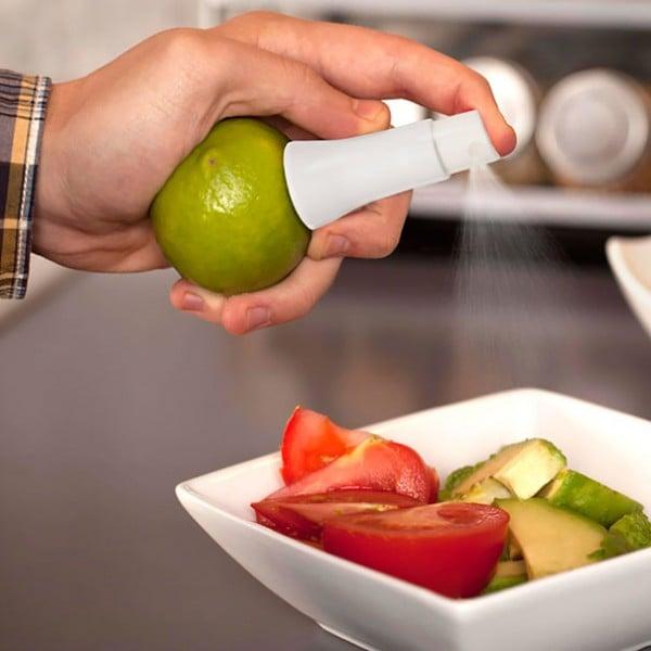 Atomizador que se coloca en los limones y exprime jugo