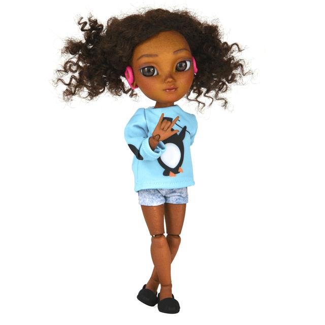 muñeca con aparatos auditivos
