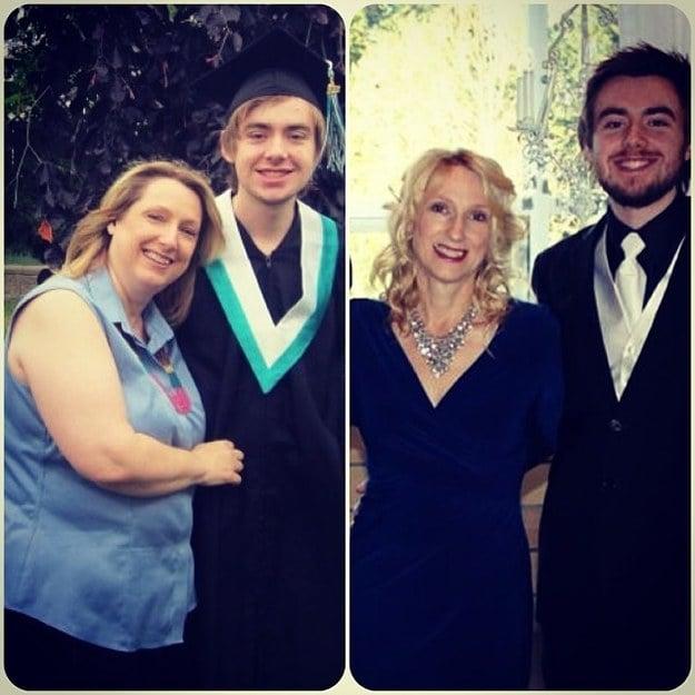 mujer tomandose fotos con su hijo antes y después de su perdida de peso