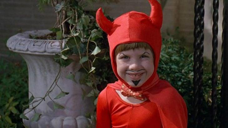 Niño de la película mi pobre diablillo disfrazado de demonio