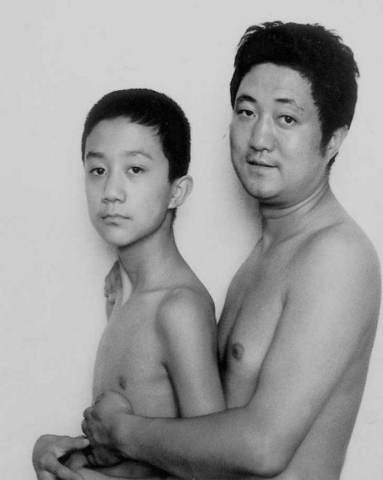 Padre e hijo misma foto 29 años (13)