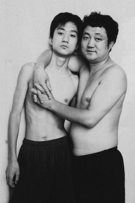 Padre e hijo misma foto 29 años (17)