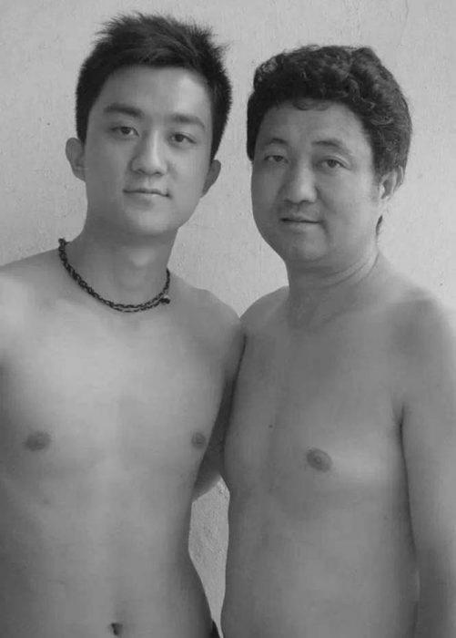 Padre e hijo misma foto 29 años (21)