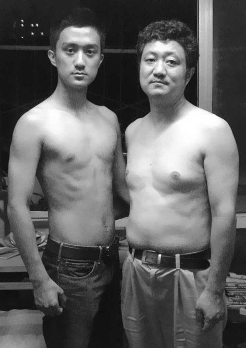 Padre e hijo misma foto 29 años (22)