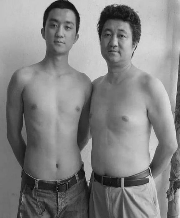 Padre e hijo misma foto 29 años (23)